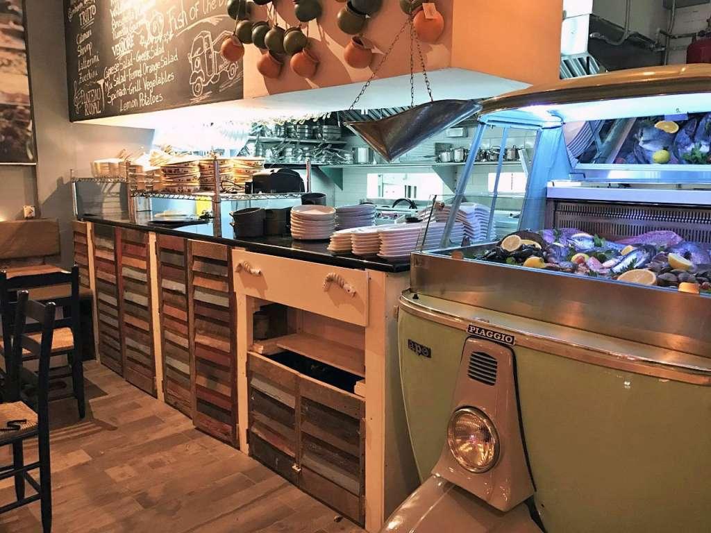 piccola-cucina-estiatorio_kitchen